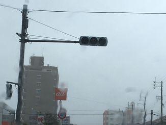 台風で停電した信号