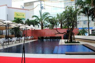 那覇・国際通りのホテルで初となる屋外プール