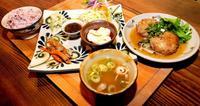 焼き物の「用の美」と食材、両方を楽しむ 糸満市西崎町「土~夢 ごはんカフェ」