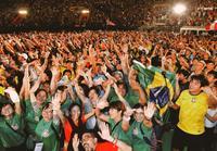 世界の家族よ、またん めんそーれ ウチナーンチュ大会1万5千人フィナーレ