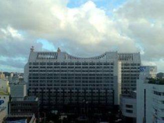 沖縄県庁です。きょうもいろいろと動きがありました