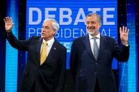 チリ、左右大統領候補が大接戦 17日決選投票