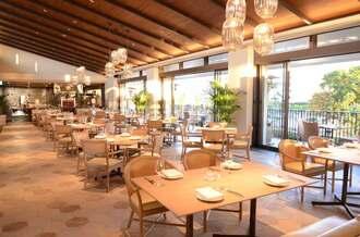 12日にオープンするザ・ナハテラス新棟「アネックス」のレストラン「La SIMA」=8日、那覇市