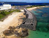 辺野古護岸工事着手から半年 作業用道路、海側に150メートル