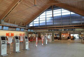 10日から臨時休業する「みやこ下地島空港ターミナル」=9日、宮古島市伊良部佐和田