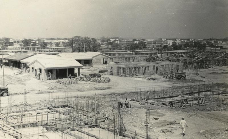 基地建設の写真171枚発見 嘉手納1951 52年 接収した土地に米軍住宅