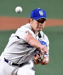 今季1軍初登板となった阪神戦に先発し、力投する中日・松坂=16日、ナゴヤドーム