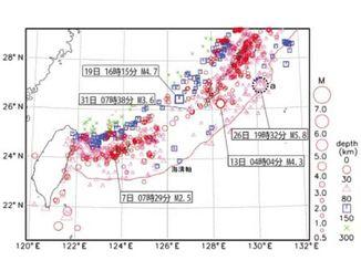 沖縄地方の2017年7月の地震分布図(沖縄気象台HPより)