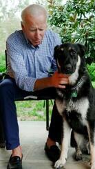 バイデン米大統領と愛犬メジャー(バイデン氏のインスタグラムから)