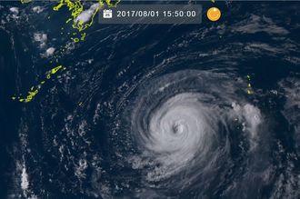 台風5号の1日午後3時50分の気象衛星ひまわり8号の画像(NICTひまわり8号リアルタイムWebのサイトから)