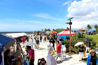 2016年5月8日に宜野湾マリーナで開催されたOKINAWA FOOD FLEAの様子