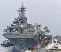 ホワイトビーチ寄港の強襲揚陸艦「ワスプ」 海兵隊員が乗船、巡回へ