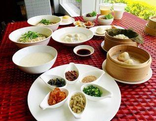 台湾の屋台をイメージした期間限定の朝食=沖縄市・東南植物楽園