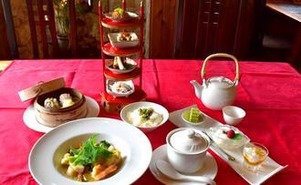 「茉莉花茶のランチ」(1600円)は、前菜オードブルやデザートのほかに点心も付く