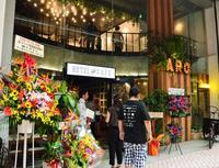 新ホテルの魅力は商店街とのタイアップ 沖縄市のNPO法人が空き店舗改修し運営