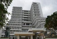 那覇市議会、賛成多数で可決 普天間飛行場5年以内の運用停止求める意見書