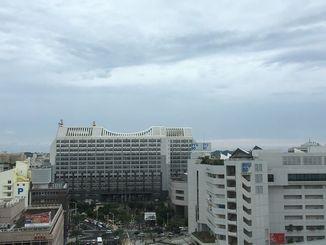 今日は朝から雨が降ったり、曇ったりの天気でした
