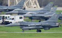 米州兵のF16、嘉手納に3機飛来