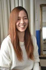 「心と技を磨いていく」と意欲を見せる伊野波都=東京都世田谷区・「アトリエ・バレエ・スタジオ」
