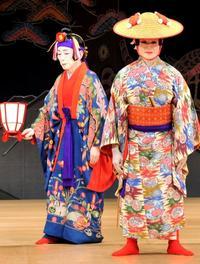 組踊に3種の言葉 琉球古語・上演時のしまくとぅば・大和言葉 台詞や歌詞 味わい深く