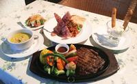 比謝川の大自然を満喫 癒やし空間で味わうリブアイステーキ 嘉手納町嘉手納「Green River Cafe」