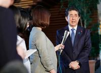 首相、日朝首脳会談を追求 12日トランプ氏と電話会談