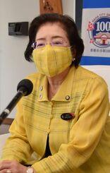 「第36回NAHAマラソン」の延期を表明する城間幹子那覇市長=8日、市役所
