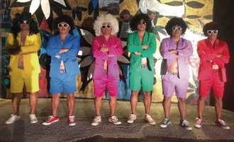人気を集めているオヤジ6人のダンスユニット「島バナナーズ」