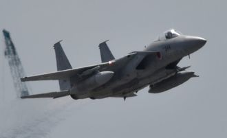 (資料写真)航空自衛隊のF15戦闘機