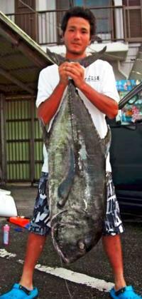 [有釣天]慶良間で格闘 26キロのガーラ