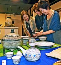 感性と技術が凝縮 親川唐白さん陶芸展 タイムスギャラリーで28日まで開催