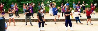 創作芸団レキオスの3人の指導員と、DC沖縄会エイサークラブと、アメリカン大学の学生