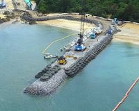 沖縄県、国へ石材洗浄の状況照会 辺野古K9護岸の白濁「環境へ影響懸念」