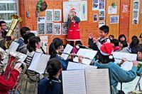 クリスマスの曲吹奏楽で楽しむ/南風原新川自治会