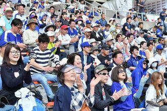 プロ野球のオープン戦(資料写真)