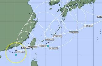 台風9号と熱帯低気圧bの位置関係(気象庁HPから)