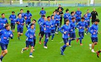 [Jリーグ]/横浜Mがキャンプ入り/石垣 26日琉球と練習試合