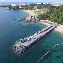 (資料写真)建設が進むK9護岸=7月22日午前、名護市辺野古(小型無人機から)