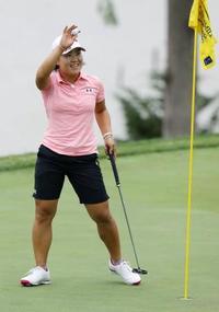 米女子ゴルフ、畑岡は6位発進 キングズミル選手権開幕