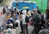 「工事まだ止められる」 辺野古で250人座り込み 作業確認されず