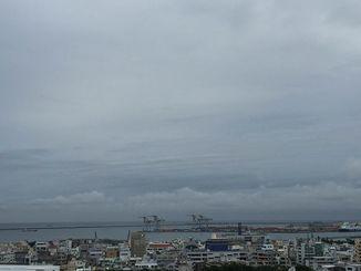 曇り空です。海上や海岸付近では23日にかけて高波に注意してください。