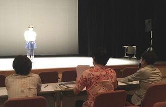 参加者が夢の実現へと挑んだ「第1回声優コンテスト那覇」=8月27日、那覇市・テンブスホール
