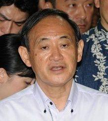 菅官房長官(2015年8月12日)