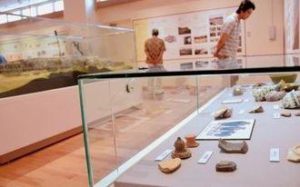 出土品など多数の中城城跡関連資料