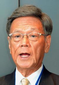 翁長知事、沖縄相にお礼 交付金大幅減は「残念」 来年度予算案