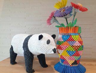 パンダ(左)と花瓶
