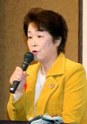 山形県知事選に4選を目指して出馬を表明する吉村美栄子知事=25日午前、山形市