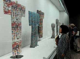 21日に開幕した「沖縄の工芸展―柳宗悦と昭和10年代の沖縄」展=那覇市の県立博物館・美術館