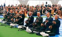 人間国宝から愛好家まで、新春彩る1600人の歌三線 野村流大演奏会