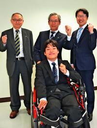 働く人生を諦めない「社会とつながれた」 スタッフサービス、沖縄県内で重度障がい者6人採用